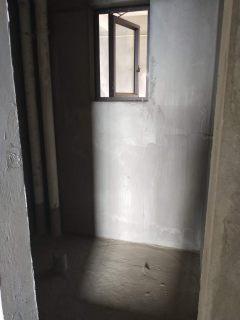 玉龙半岛3室2厅2卫120m²毛坯房 带产权车位