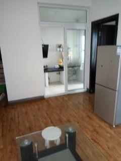 1室1厅1卫60m²