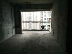 (东坡区)鸿通金色春天4室2厅2卫69.8万62m²毛坯房出售