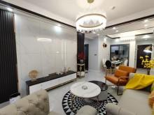 (东坡区)玫瑰园18期南湖别院3室2厅2卫69.8万72m²豪华装修出售