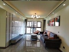 齐通学校对面鹭湖花园城3室2厅2卫72.8万74m²精装修出售